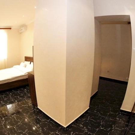 hotel-town-palce-yeravan1