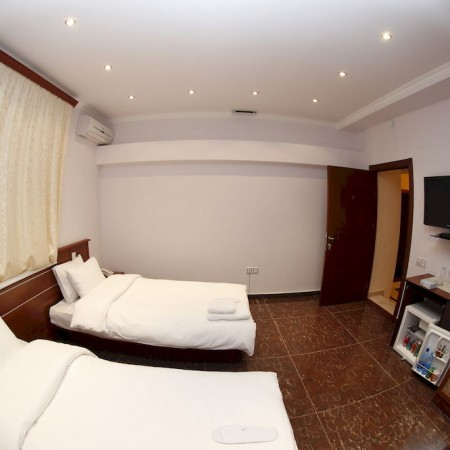 hotel-town-palce-yeravan3