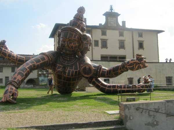 مجسمه معروف در موزه چینی های باغ بوبولی فلورانس