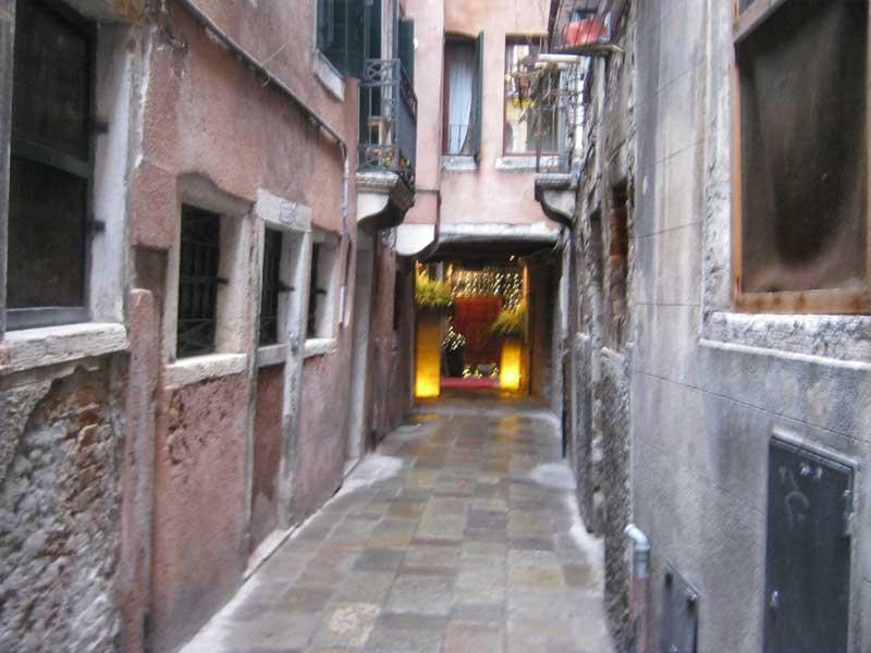 کوچه بس کوچه های ونیز ایتالیا-ارزان سفر
