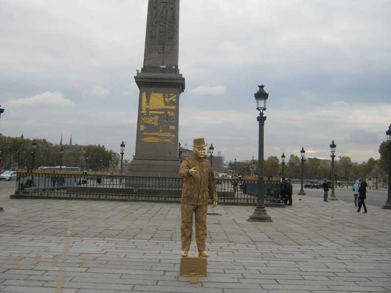 ستون تاریخی ابلیسک در میدان کنکورد پاریس