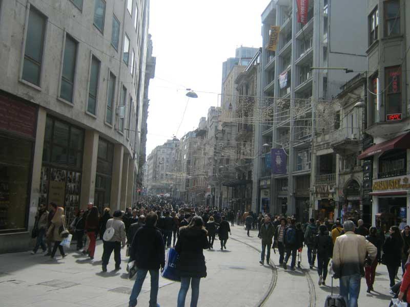 نمایی دیگر از خیابان استقلال استانبول