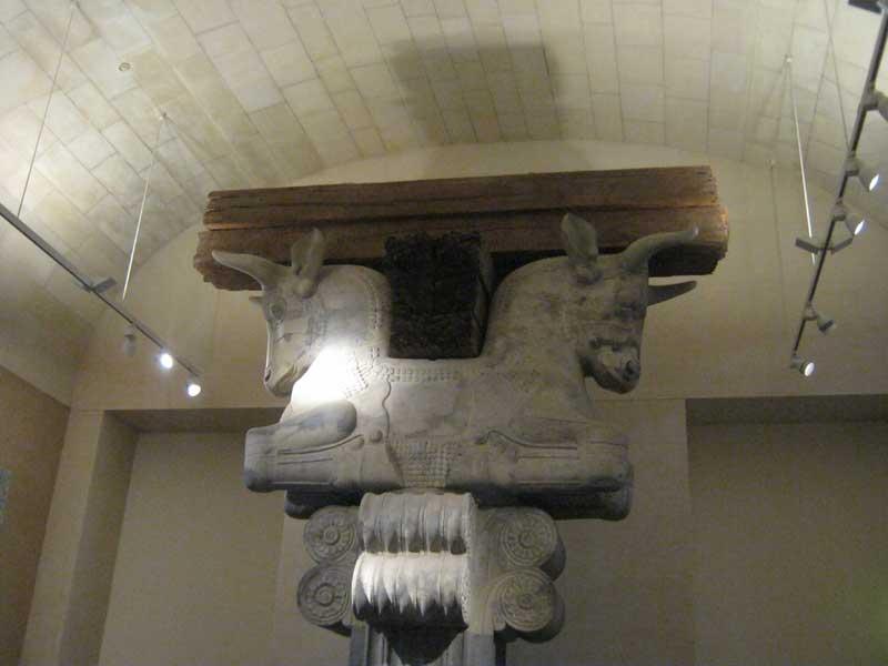 بقایایی از تخت جمشید در موزه لوور پاریس
