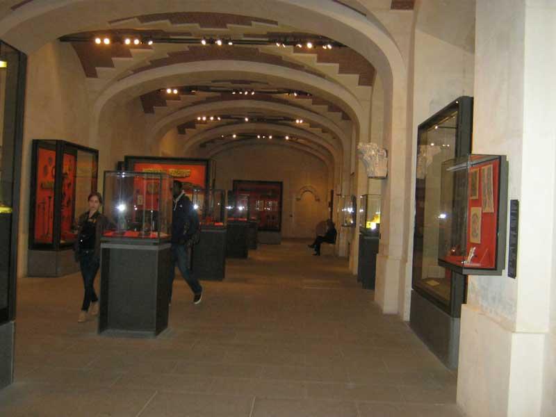 یکی از سالن های موزه لوور