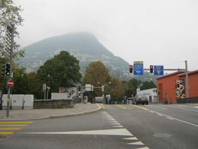 یکی از خیابان های اصلی شهر لوگانوی سوییس
