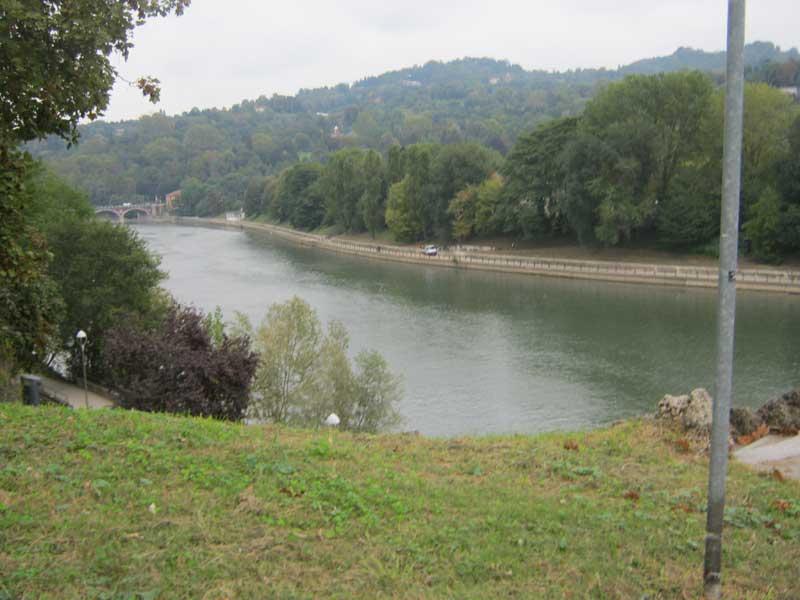 منظره ای از رودخانه پو در تورین