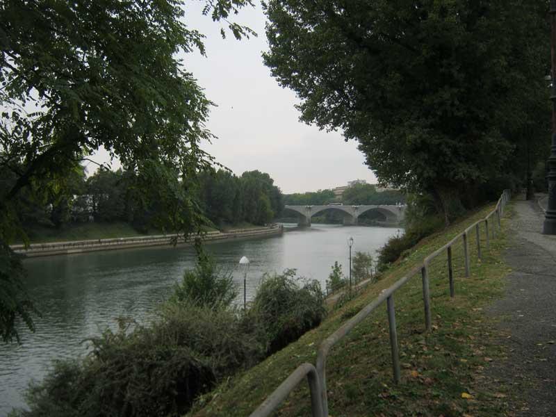 منظره ای دیگر از رودخانه پو در تورین ایتالیا