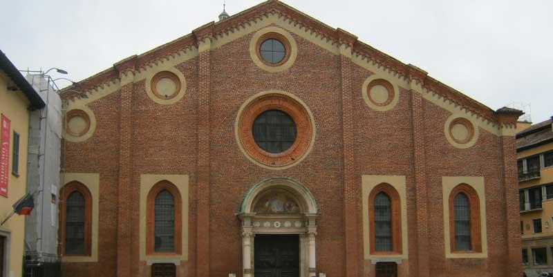 نمای بیرونی کلیسای سانتا ماریا دل گرتزی میلان
