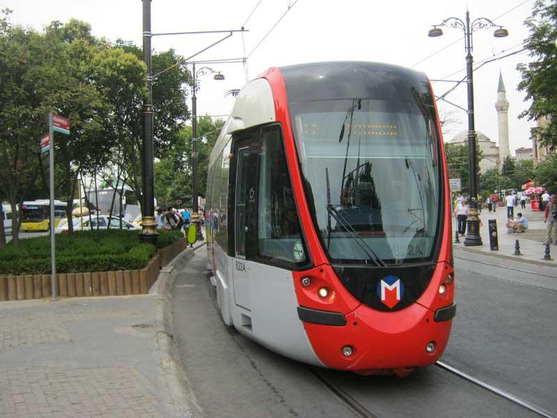 تراموا در ایستگاه سلطان احمد استانبول