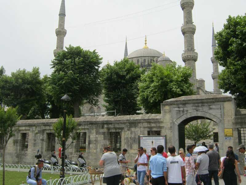ورودی مسجد سلطان احمد استانبول