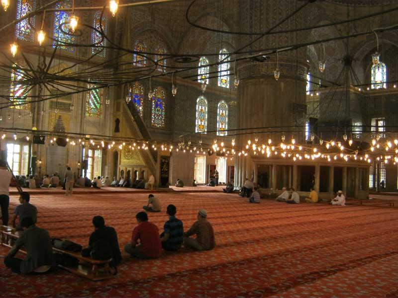 داخل مسجد سلطان احمد استانبول