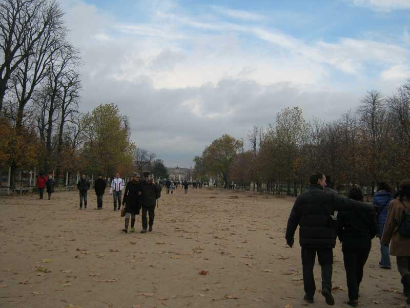 پارک بزرگ تویلری در مسیر میدان کنکورد به موزه لوور
