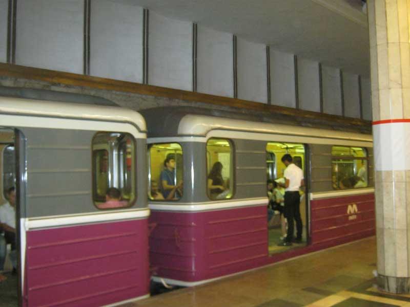 واگن های مترو باکو