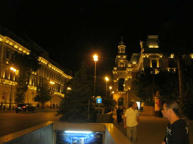 نمایی از خیابان های اطراف ایستگاه مترو Iceri Shahr