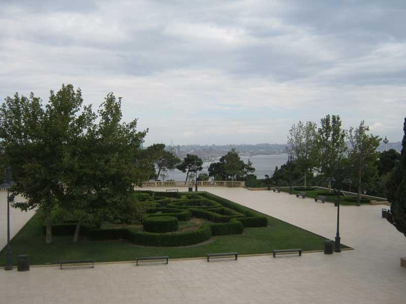 دید به شهر باکو از آپ لند پارک