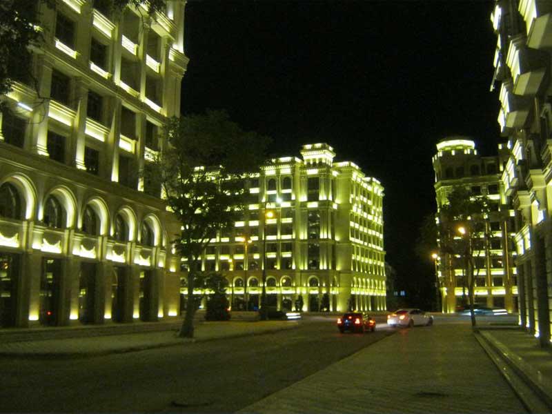 نورپردازی ساختمان های باکو در شب