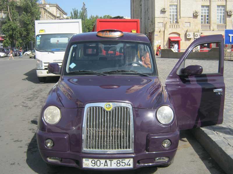 تاکسی ها به سبک تاکسی های لندن در باکو