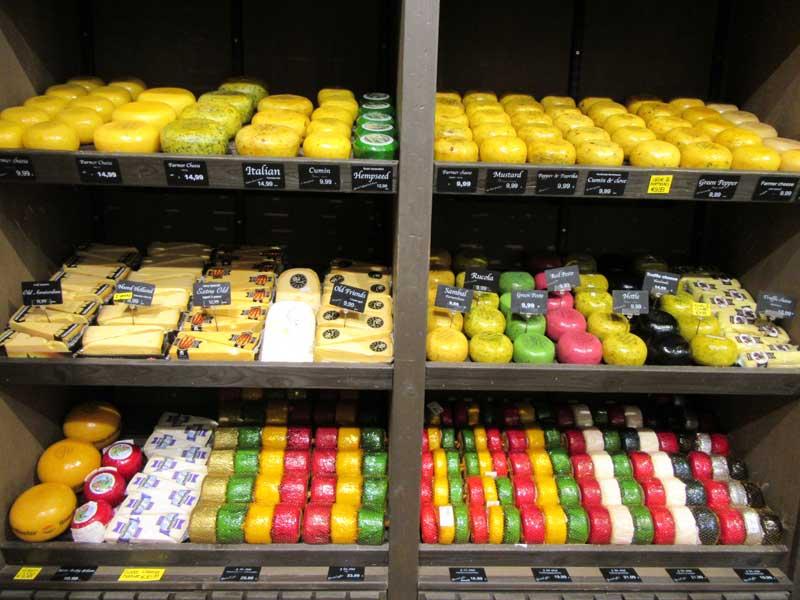 انواع پنیر در یکی از فروشگاه های آمستردام