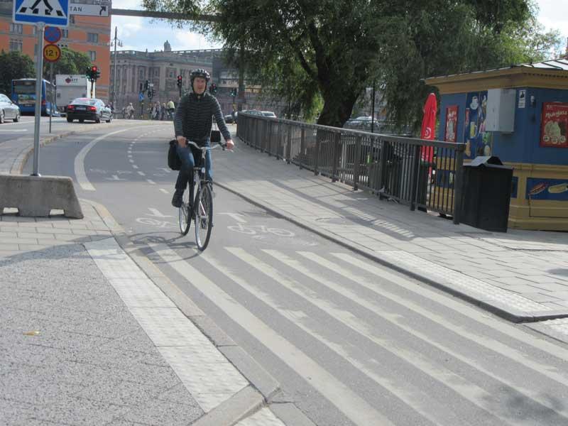 در شهر استکهلم نیز مانند شهر آمستردام از دوچرخه زیاد استفاده می شود