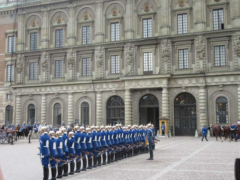 سربازان گارد کاخ سلطنتی سوئد