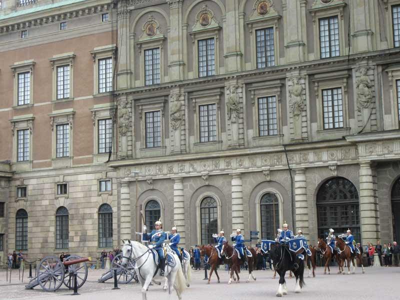 مراسم تعویض گارد کاخ سلطنتی سوئد
