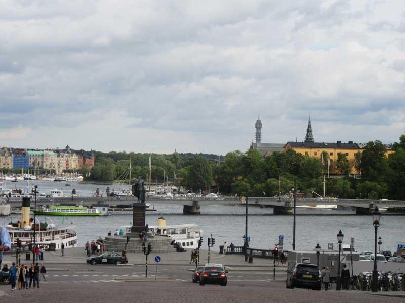 منظره ای از شهر استکهلم در کنار کاخ سلطنتی سوئد