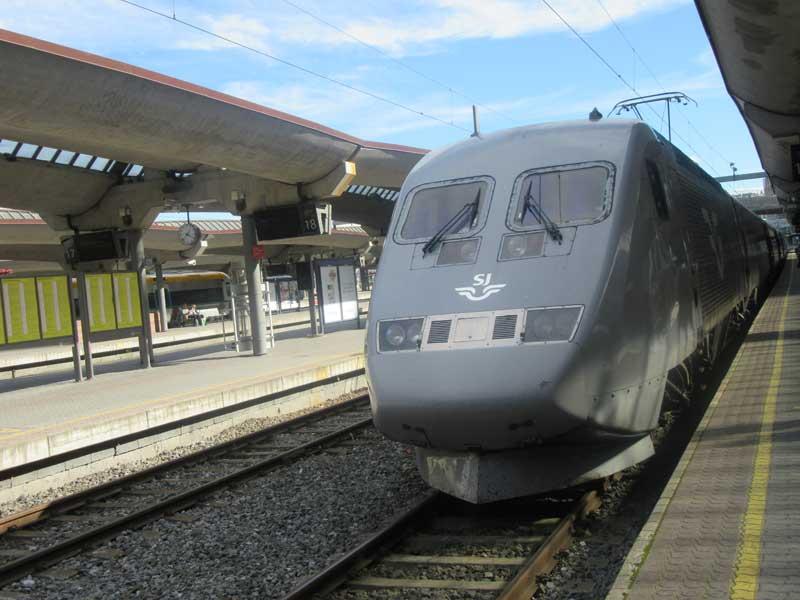 یکی از قطارهای شرکت SJ. حمل و نقل ریلی کشور سوئد بر عهده شرکت SJ می باشد.