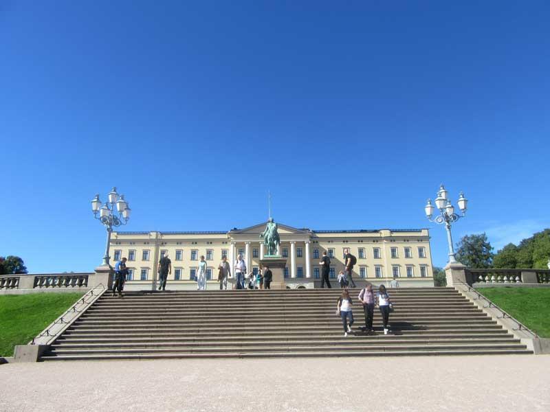 نمایی دیگر از کاخ سلطنتی نروژ