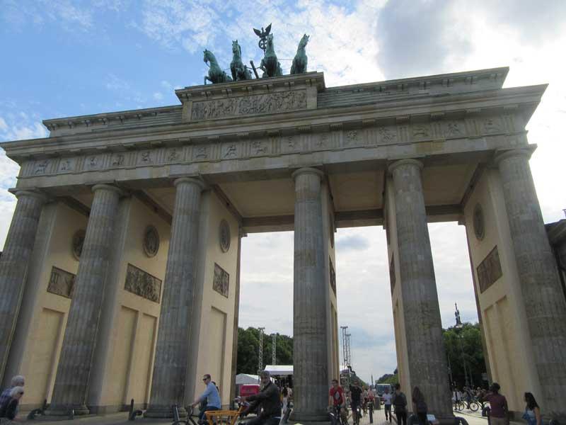 دروازه برادن برگ - بزرگترین دروازه جدایی آلمان شرقی و غربی قبل از فروپاشی دیوار برلین